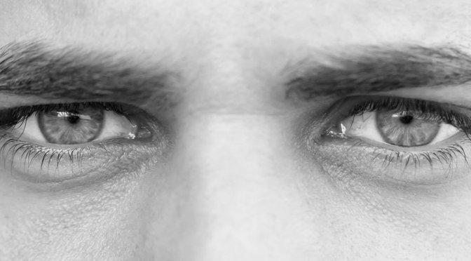Sindrome del ojo seco. En Óptica San Pedro somos especialistas en tratamiento visuales